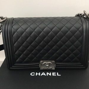 💯% authentic Chanel Boy bag, black caviar leather